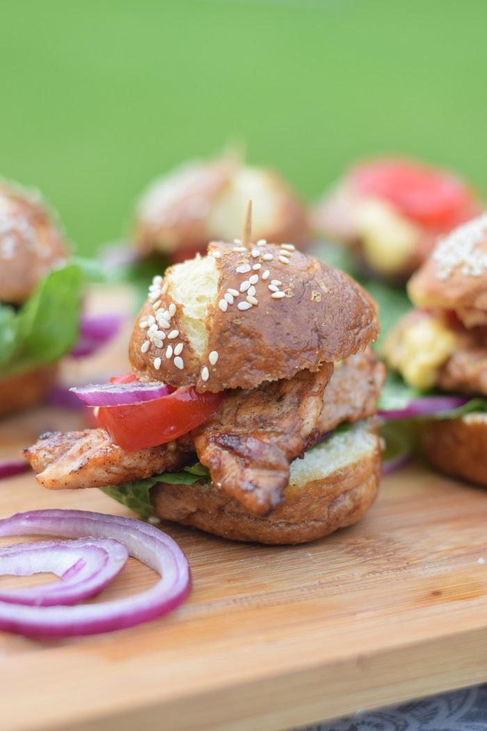 Brezel Burger mit Feta 14