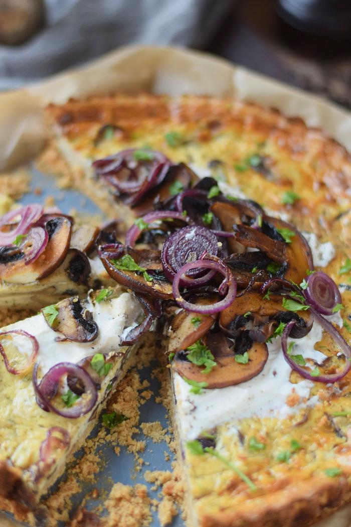 Herzhafter Cheesecake mit Pilzen 17