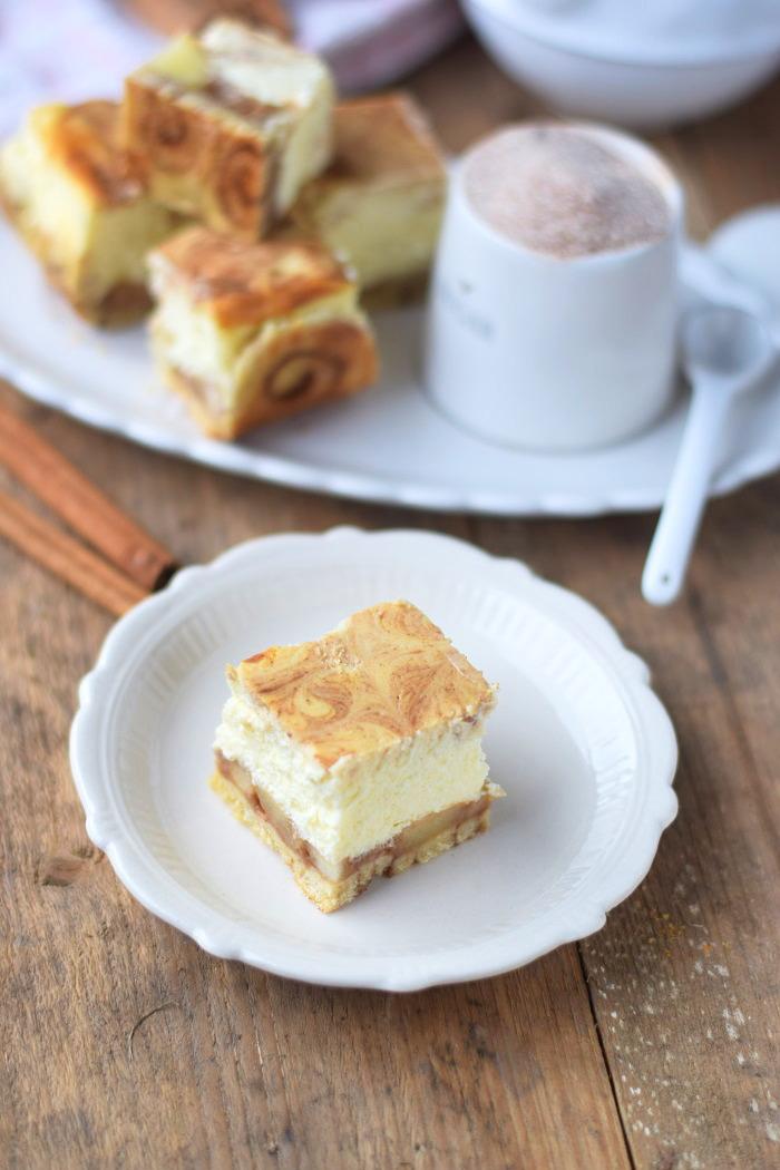 Zimtschnecken Cheesecake - Cinnamon Roll Cheesecake #cinnamonroll #cheesecake #zimtschnecken (3)