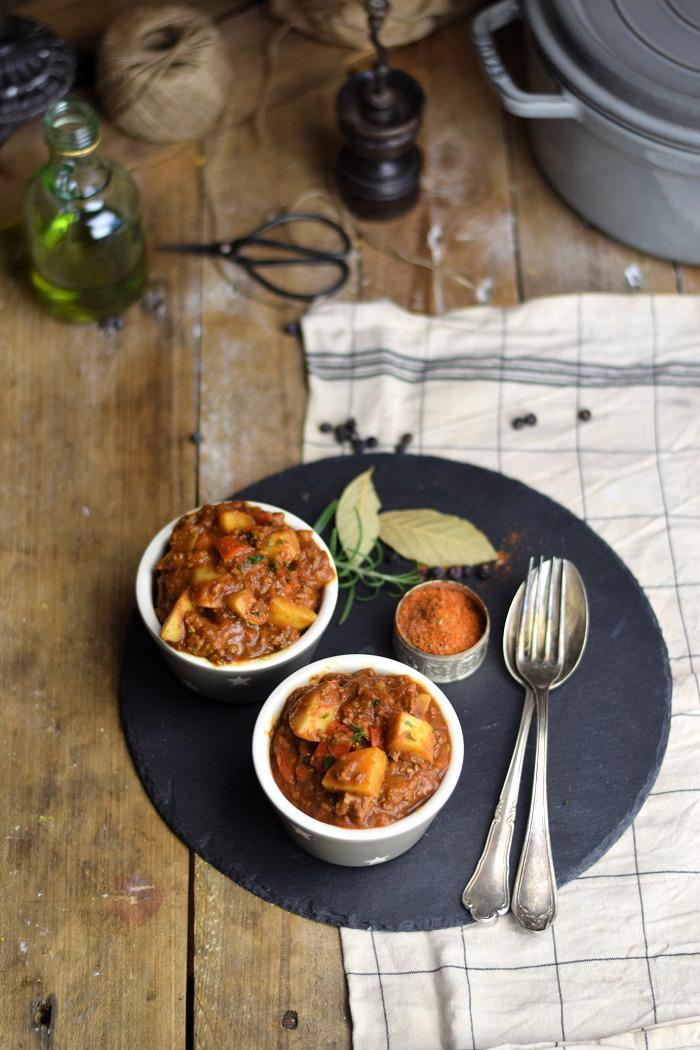 Bauerntopf - Tomaten Kartoffel Topf mit Hackfleisch - Minced Meat Tomato Stew with Potatoes and red pepper (7)