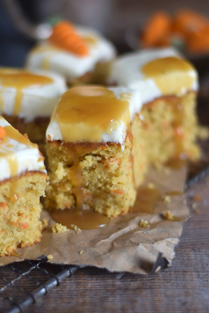 Carrot Cake mit Cream Cheese Frosting & Karamell Carrot Cake Cream Cheesecake Frosting and Caramel (14)
