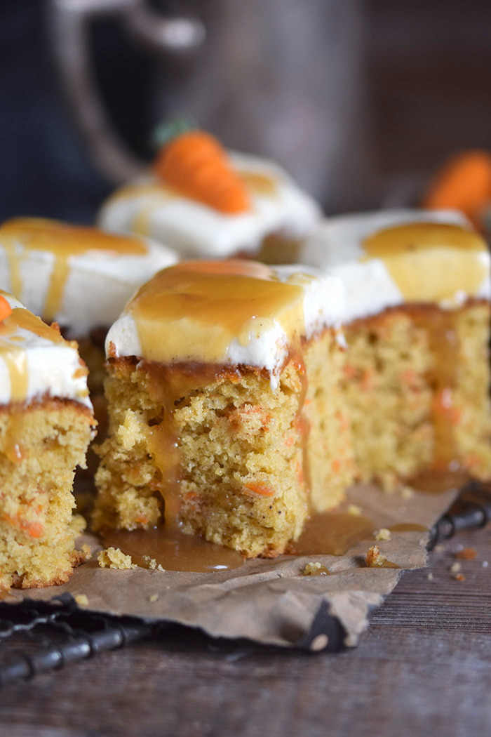 Carrot Cake mit Cream Cheese Frosting & Karamell Carrot Cake Cream Cheesecake Frosting and Caramel (18)