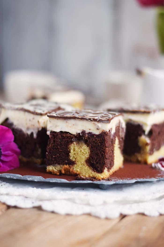 Donauwelle - Chocolate Vanilla Cake with Cherries Donauwelle Schokoladig Cremiger Klassiker (2)