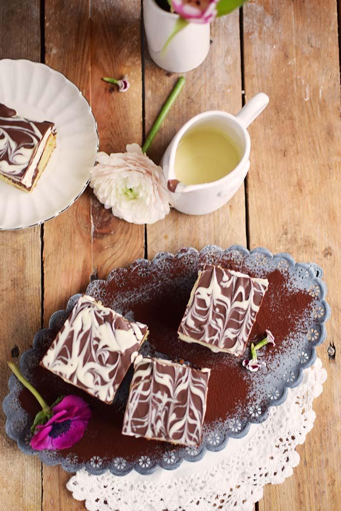 Donauwelle - Chocolate Vanilla Cake with Cherries Donauwelle Schokoladig Cremiger Klassiker (7)
