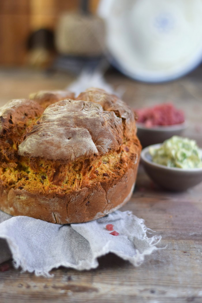 Irish Soda Bread with Cheddar and Bacon - Einfaches Brot ohne Wartezeit mit Käse und Bacon (7)