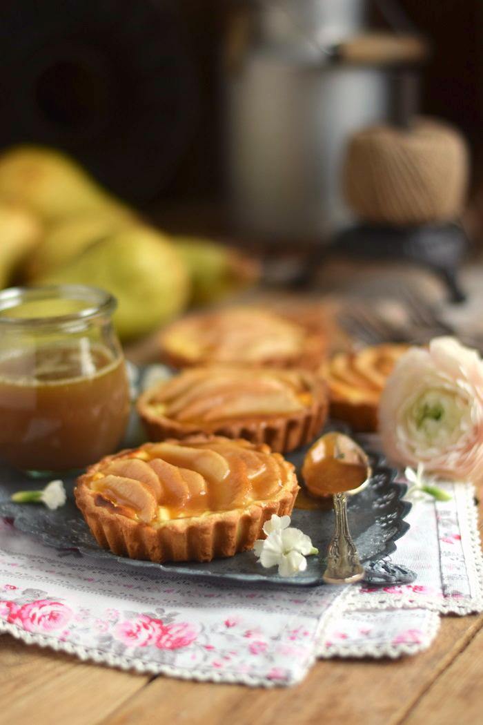 Karamellisierte Birnen Quark Tarte - Caramelized Pear Tart with Cheesecake Filling (5)