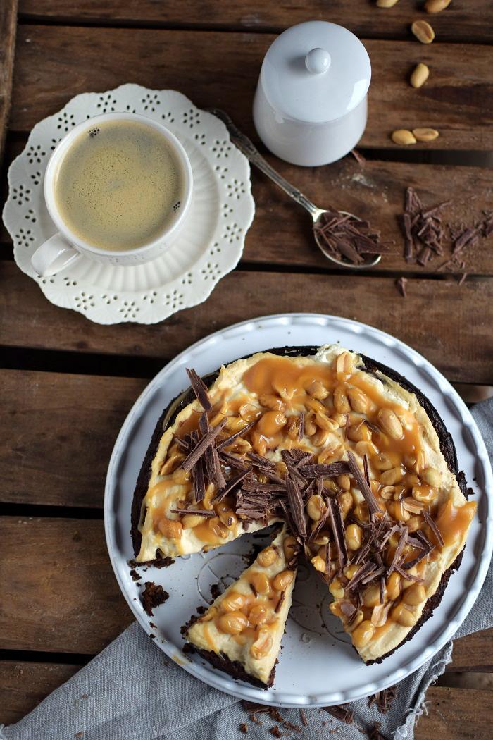 Schokokuchen (glutenfrei) mit Erdnusscreme und Karamell Glutenfree Chocolate Cake (5)