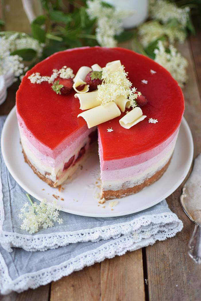 Erdbeer Holunderblueten Joghurt Torte - Strawberry Elderflower Yogurt Cake (21)