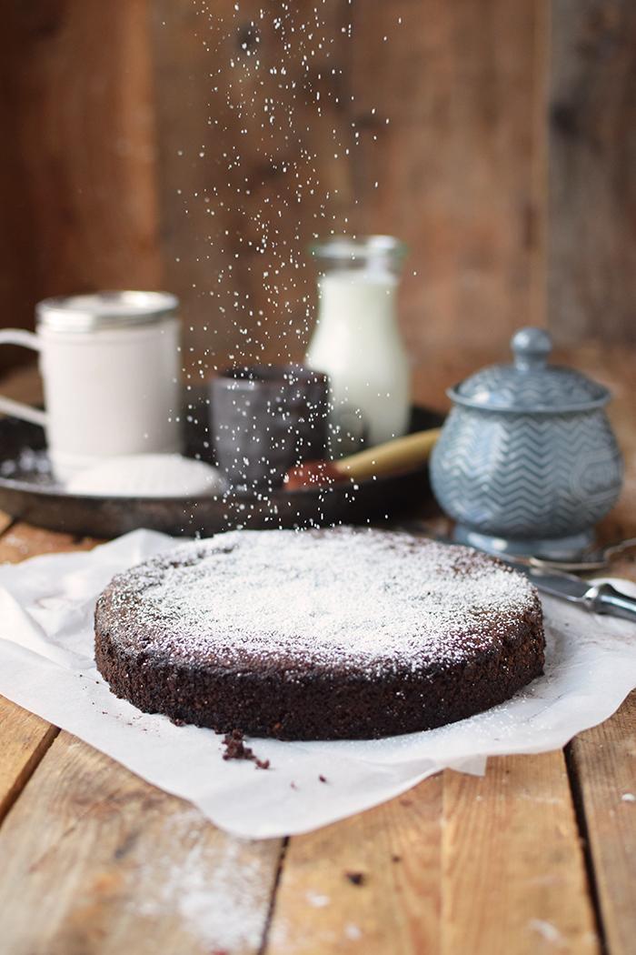 saftiger-mandel-schokokuchen-glutenfrei-gooey-almond-chocolate-cake-glutenfree-4