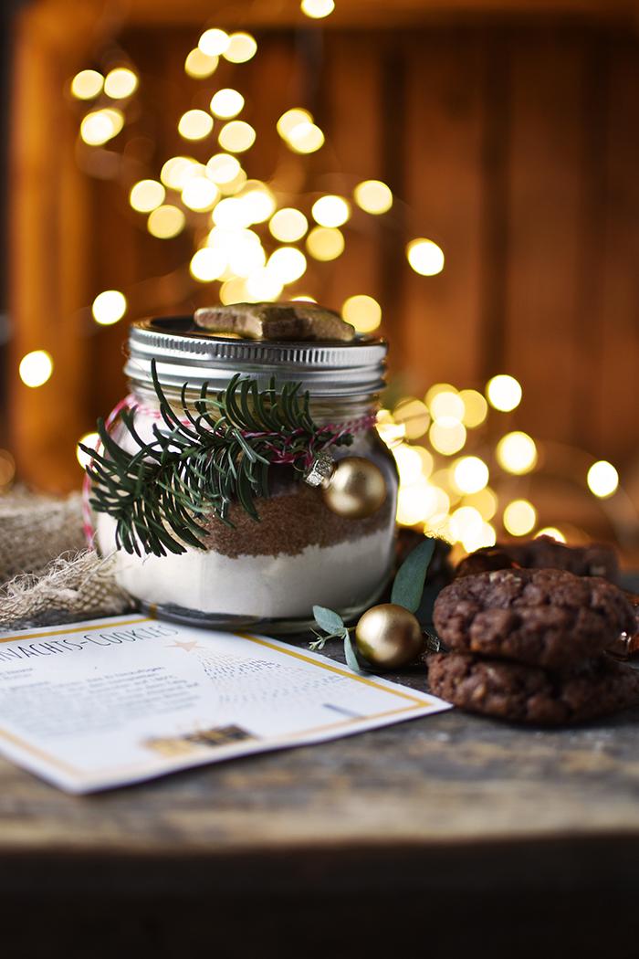 schoko-weihnachts-kekse-backmischung-3