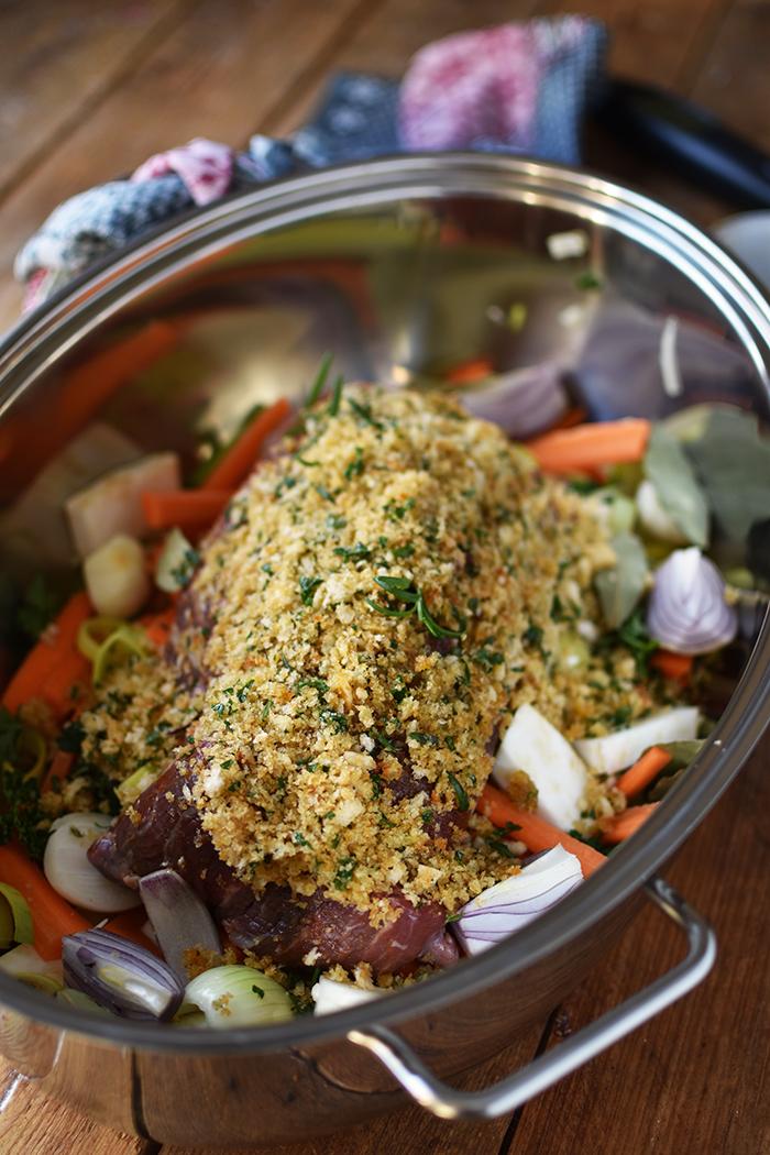 rinderfilet-mit-knusper-kraeuter-kruste-und-hasselback-kartoffeln-5