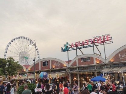 3 Go Out! Night Markets and Shows Asiatiques