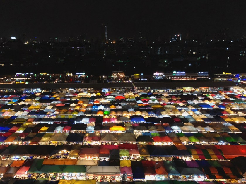 3 Go Out! Night Markets and Shows Ratchada Rot Fai Train Night Market