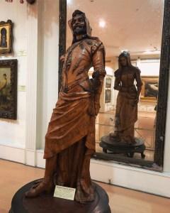 Salar Jung Museum-Double Statue