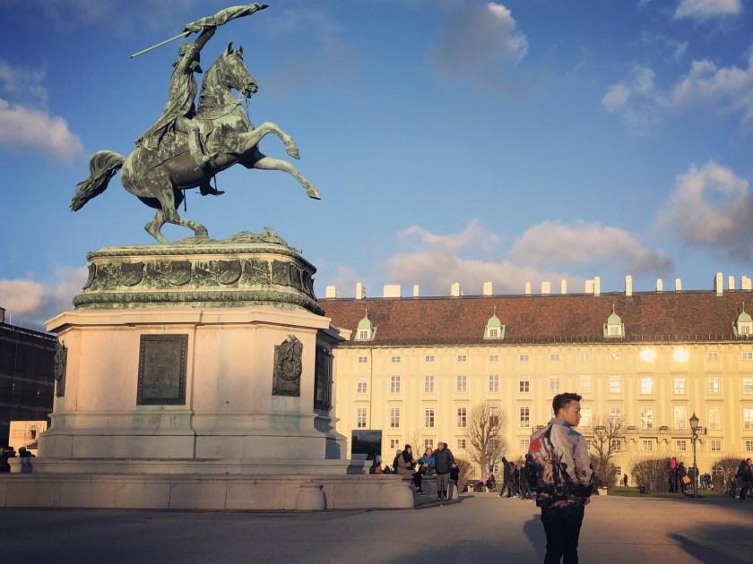 Heldenplatz 1