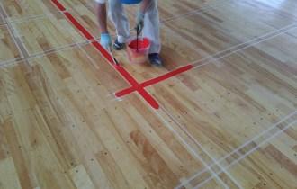 長野県内体育館改修工事床の塗装