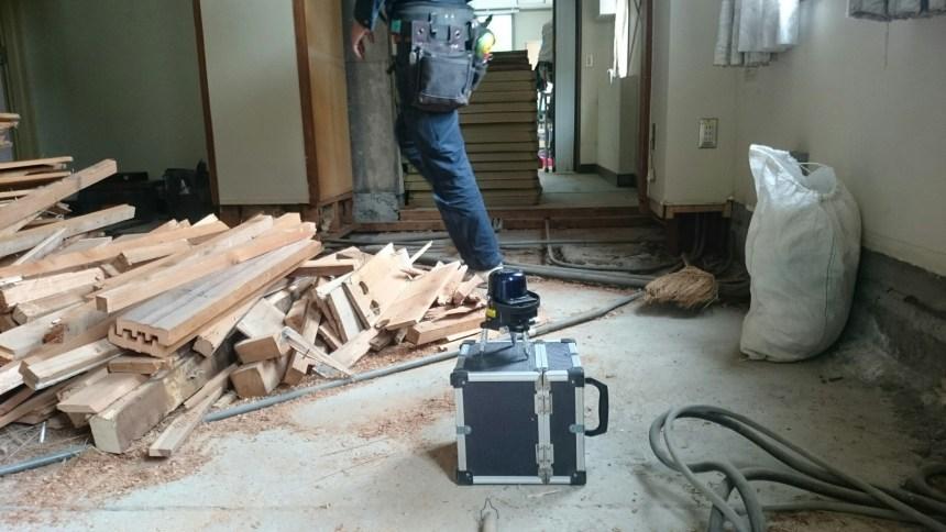 変電所床復旧工事施工のようす