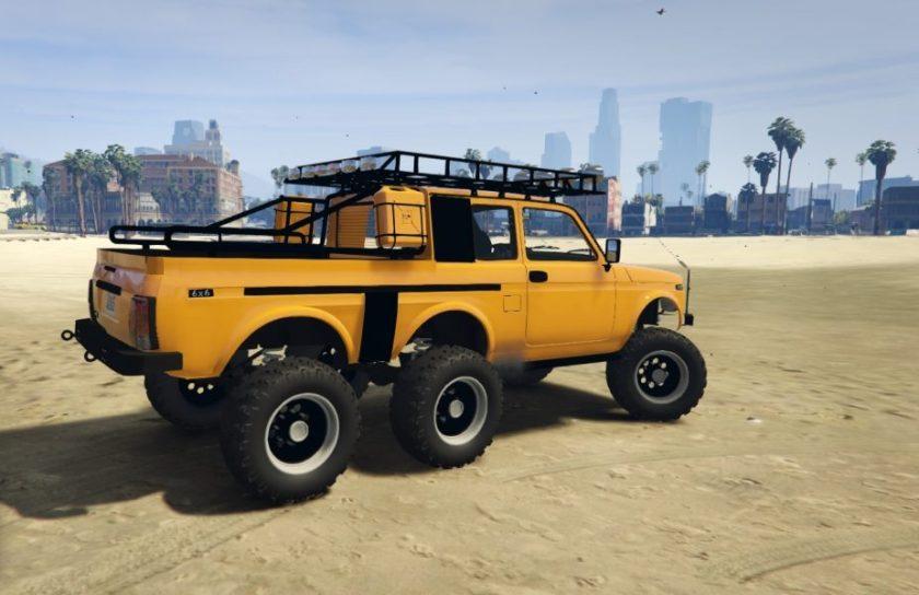 LADA Niva 6x6 pickup