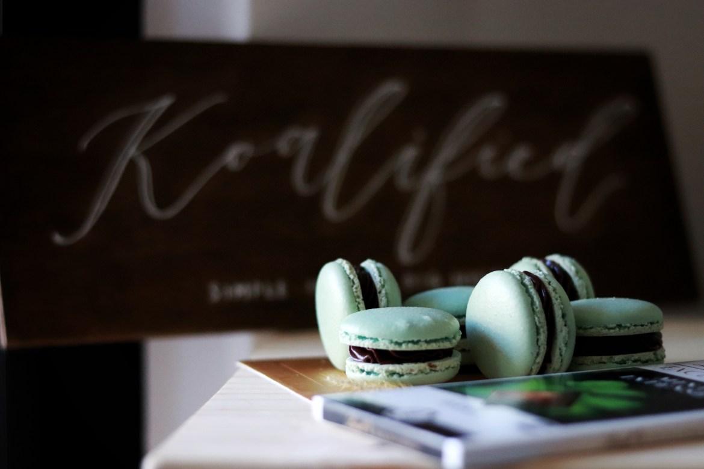 mint_chocolate_macarons3