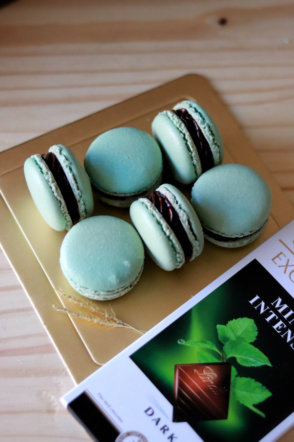 mint_chocolate_macarons4