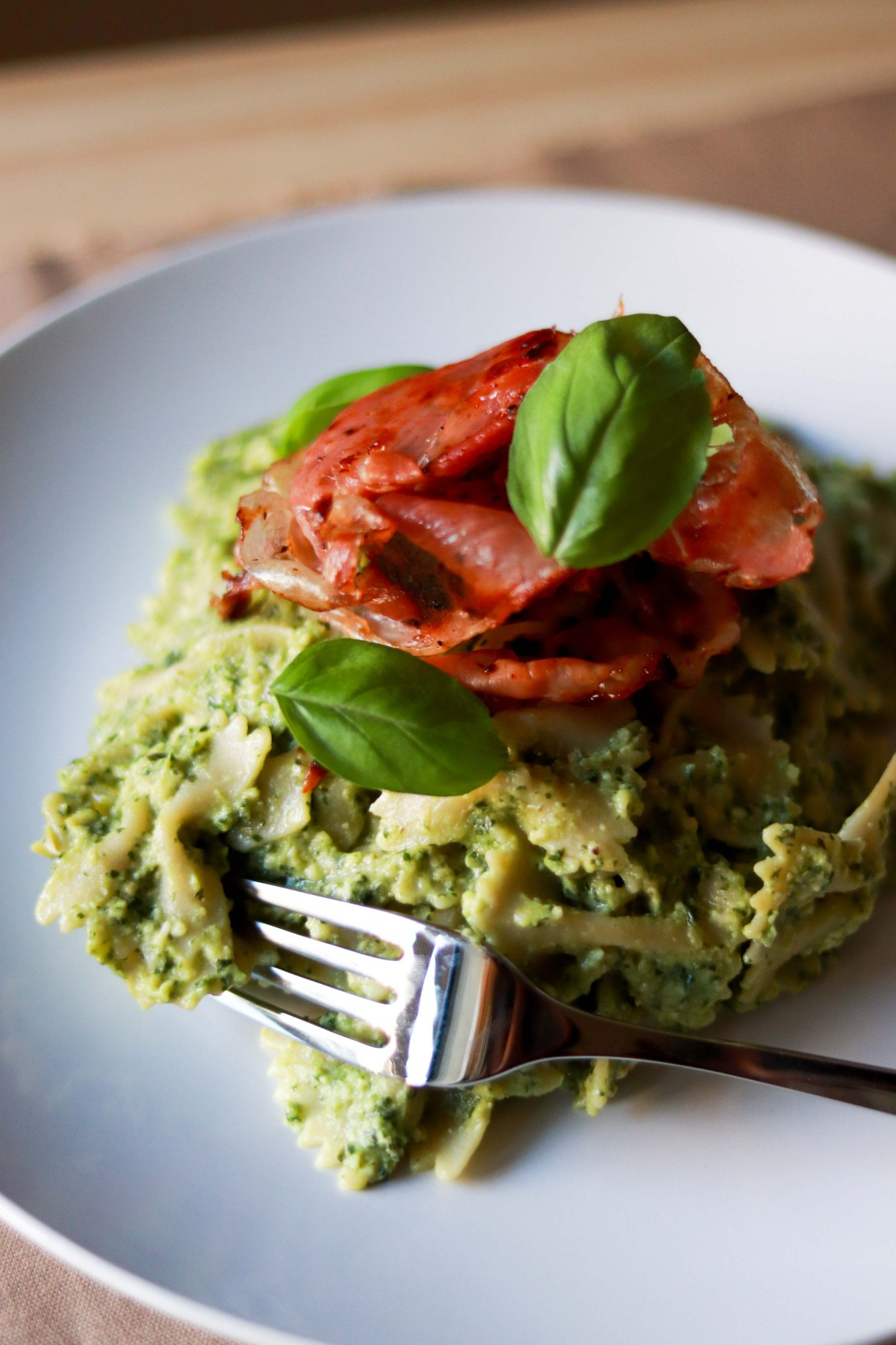 Avocado_Pesto_Pasta_with_Prosciutto4
