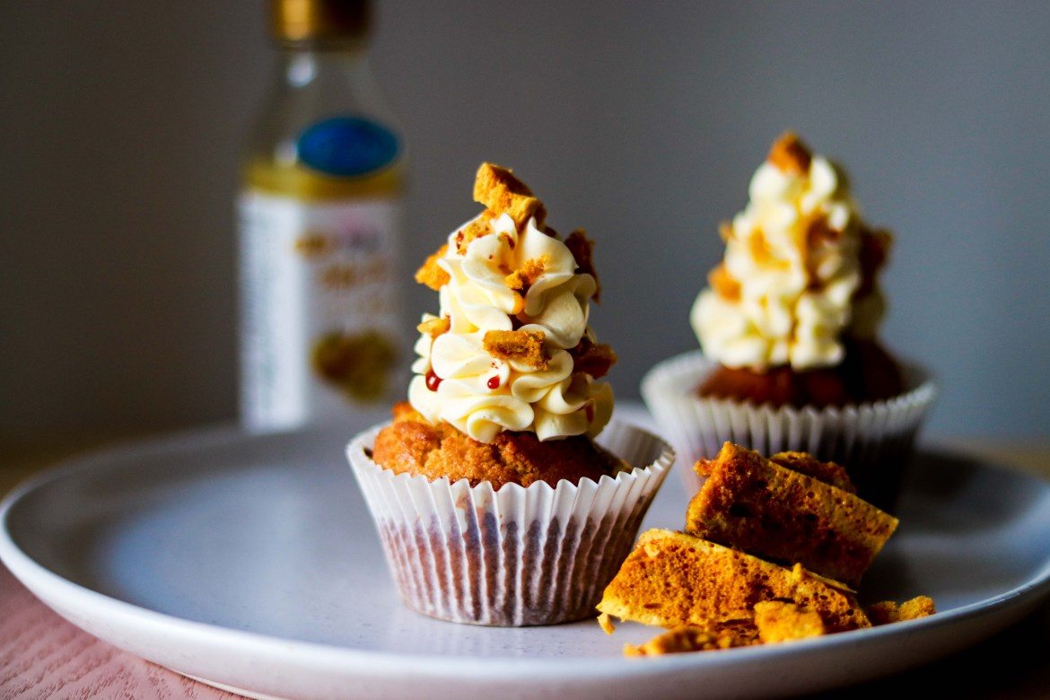 Honey Lemon Cupcake with Yuzu Swiss Meringue Buttercream and Honeycomb5