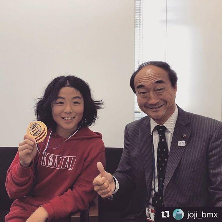 今日は @joji_bmx を連れて藤沢市に活動報告をしに行ってきました!議員の有賀さんが対応してくださいました!ありがとうございました!#Repost @joji_bmx ・・・I went to a city office today.FISEのメダルを持って市役所に行って来ました🥇これからも楽しみです今日はありがとうございました@koastal #bmx #bmxlife #fise #fisehiroshima #victory #koastal #緊張 #thanks