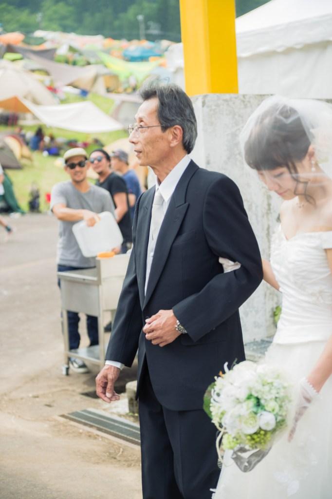 いよいよ花嫁とお父さんの入場です。