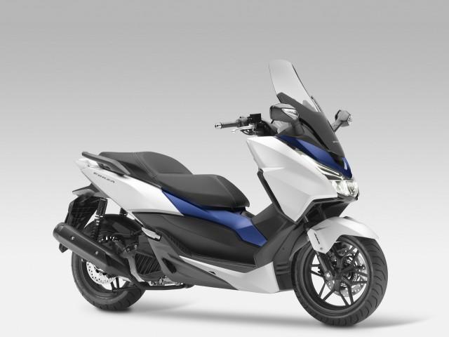 Honda-Forza-125-2015-02