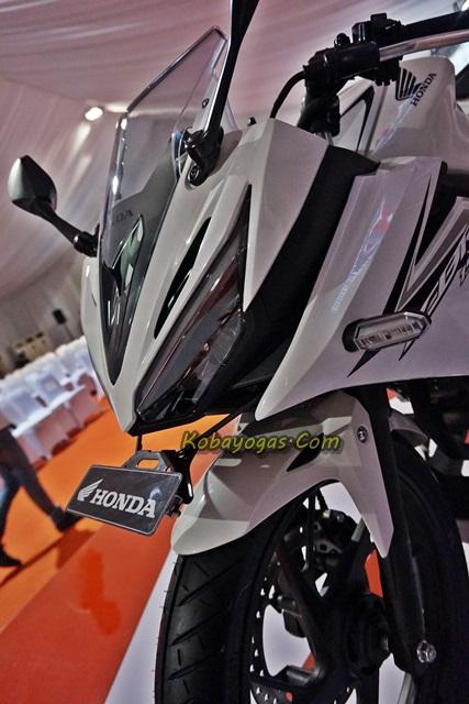All New CBR150R 2016 white