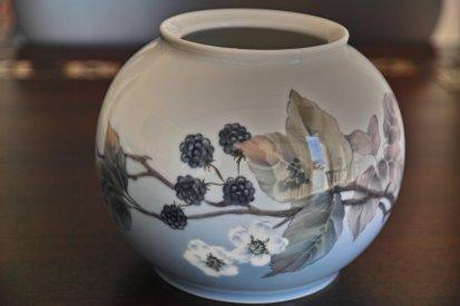 ロイヤルコペンハーゲン ブラックベリー図 花瓶 1