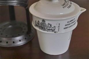 英国 GRIMWADE社製 離乳食を作られていたと言われています。陶器と金属のレアなセット。6