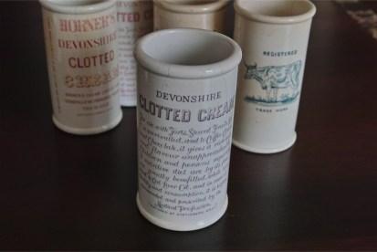 英国 クロテッドクリームボトル パープル文字 ロングサイズ 7