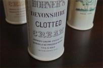 英国 クロテッドクリームボトル パープル文字 ロングサイズ