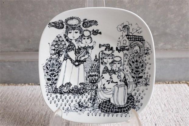 Bjørn (Bjorn) Wiinblad (ビョルン・ヴィンブラッドさん)デザイン  飾り皿 デンマーク ニモール窯(Nymølle)1976年製 4