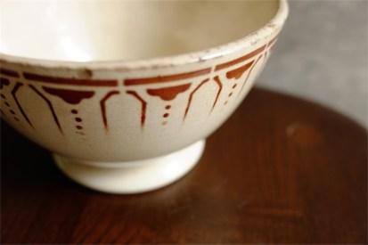 カフェオレボウル その37 モロッコ柄の一種 ずっしり重い個性的なボウル 赤茶色のシックな色味