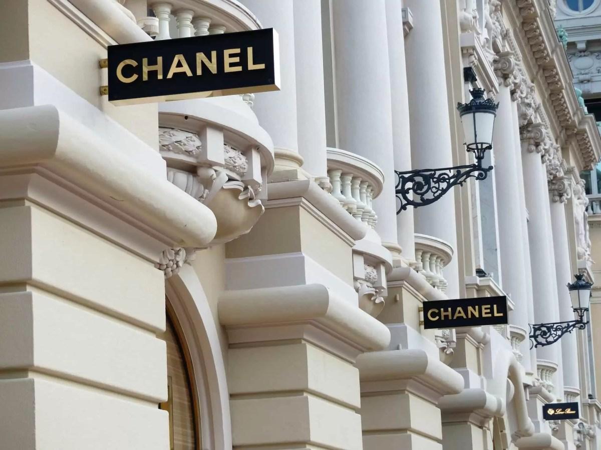 Włóż kasę w torebkę, najlepiej od Chanel!