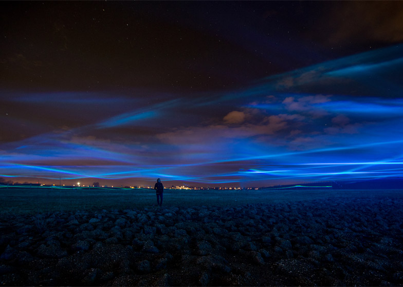 Waterlicht-by-Daan-Roosegaarde_kobilightingstudio