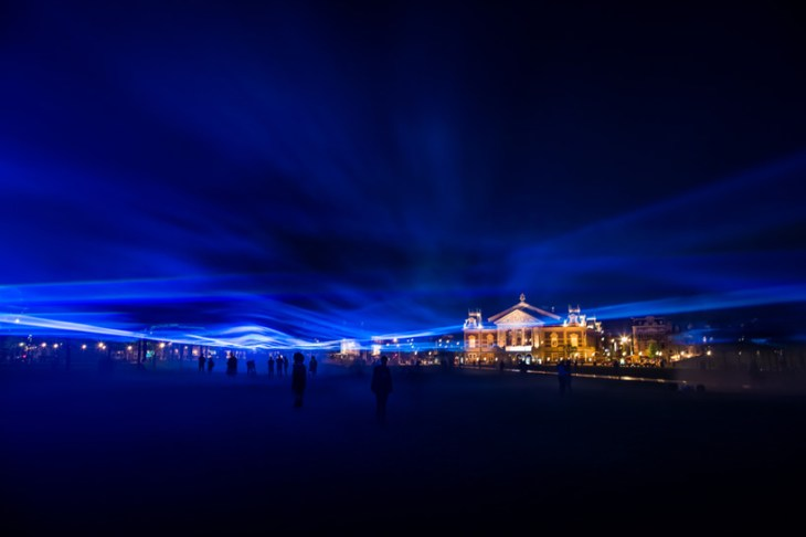 daan-roosegaarde-museumplein-waterlicht-kobilightingstudio-02