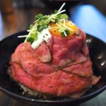 【RedRock】女性に人気の肉料理♪山盛りローストビーフ丼