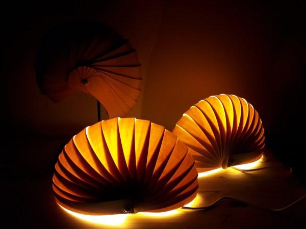 lampe a poser-ou poser en applique-en lames de bois-réalisées par kobo créations