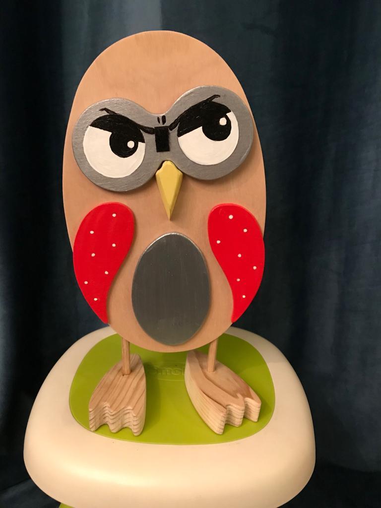 Chouette kobo creations expression pas contente en bois et ailes rouges;yeux interchangeables aux diverses expressions