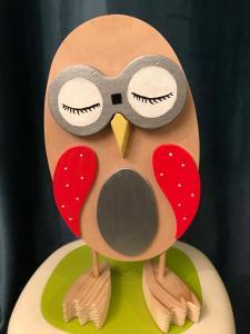 """Kochouette- kobo creations expression """"sereine"""" en bois et ailes rouges;yeux interchangeables aux diverses expressions"""
