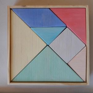 tangram bois-jouet en bois de -forme -carré- peint- couleurs-pastel