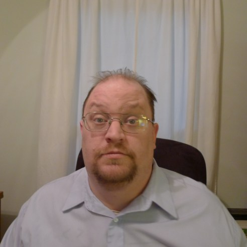 A headshot of Nate Hoffelder.