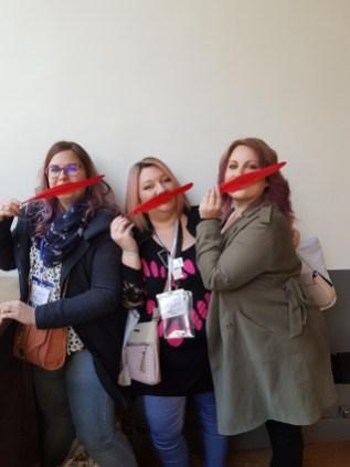 Les auteures Lilly Sweet, Lena K Summers et la blogueuse Romance Sisters, inspirées par nos plumes