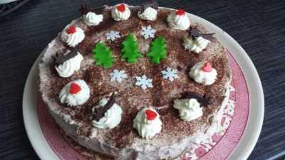Frischkäse Torte mit Kirschen