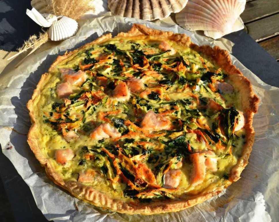 Quiche mit Lachs Möhren und Zucchini