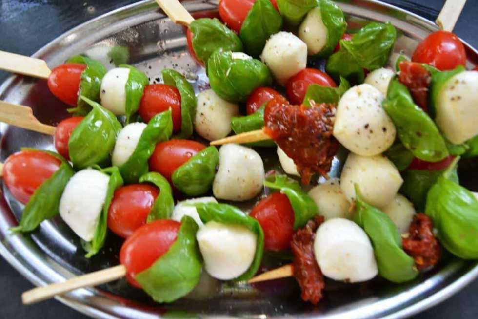 Tomate Mozzarella Sticks mariniert