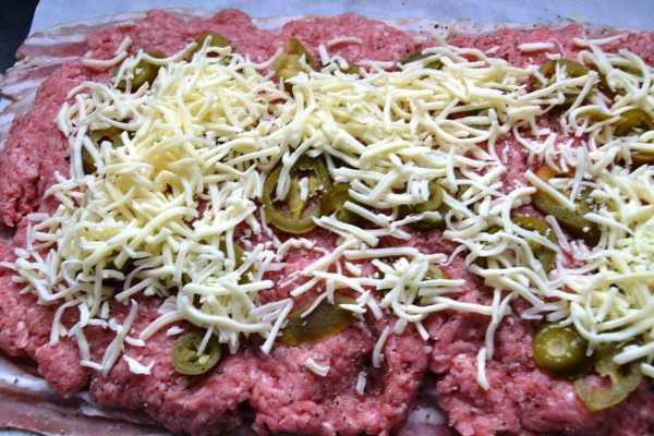 Bacon und Hackfleisch ,Jalapenos ,Käse